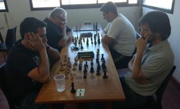 """Martín Loiza se quedó con """"Torneo Amistad""""  de la Escuela Municipal de Ajedrez"""