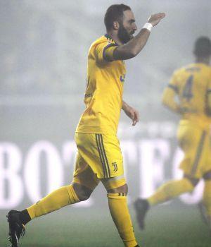 Higuaín acerca a la Juve a la final de la Copa Italia