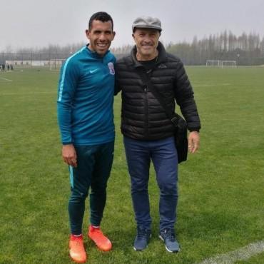 El Vasco estuvo con Carlitos en el entrenamiento del Shenhua Shangai