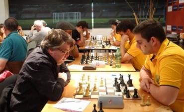 Nelson Lujan representó a Obras en torneo en Boca Juniors