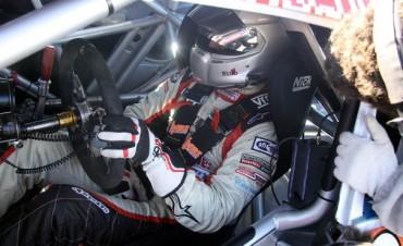 Juan Martin Bruno se prepara para el Gran Premio en el autódromo de Viedma