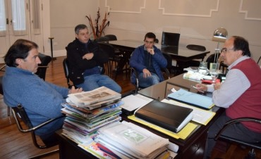 Representantes de la Liga de Fútbol  se reunieron con Salomón y Tosca