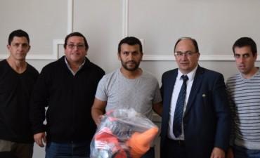 Intendente y funcionarios de Deporte se reunieron con directivos del Club Cazón