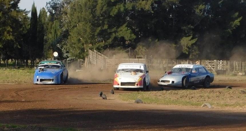 "El TC Roqueperense ""T"" se presentó en el Ciclón del Saladillo Automóvil club"