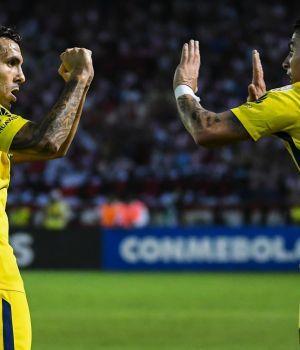 Boca sacó un empate en Barranquilla y aún respira