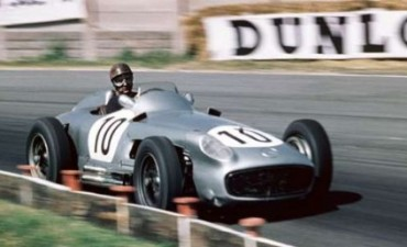 Homenaje a Fangio en el Día del Automovilismo Deportivo