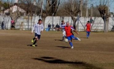 Se jugaron los cuartos de final del Maxifutbol en Saladillo
