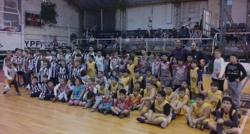 Encuentro de Minibasquet en el club Ciudad de Saladillo