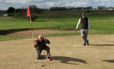"""""""Hoyo en Uno"""" en los links del Saladillo Golf club"""