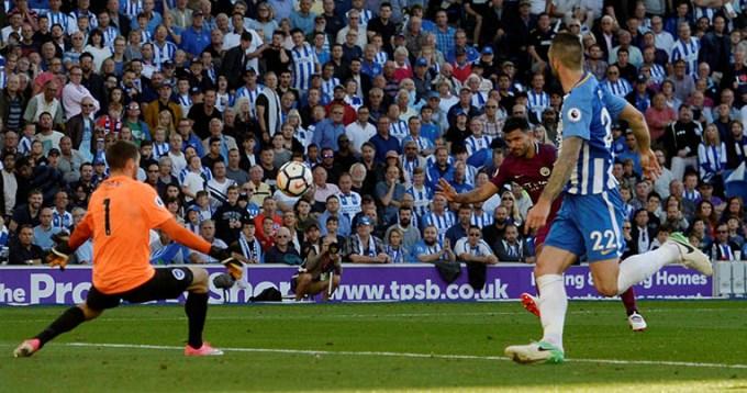 El Kun la metió en el debut del City en la Premier