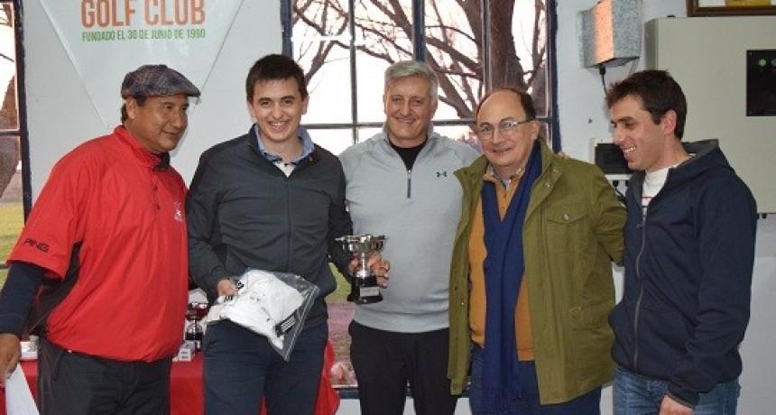 Salomón en la entrega de premios del Torneo Aniversario de Golf