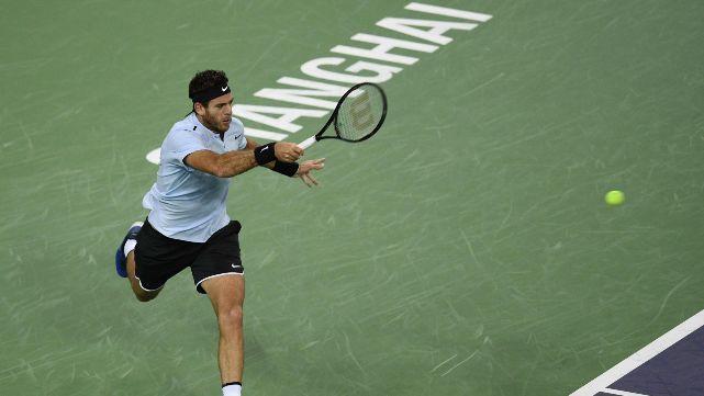 Del Potro guapeó con la muñeca vendada y cayó con Federer