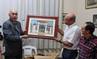 Carlos A. Gorosito entregó aporte económico al club Huracán