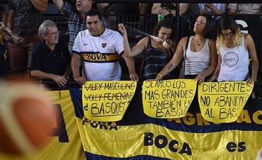 Hinchas de Boca protestan contra los dirigentes