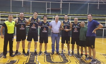 Nomade se consagro campeon del II Torneo de Maxibasquet