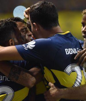Boca le ganó a Colón, y sigue como único líder