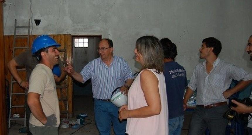 En el centenario del Club Deportivo de Del Carril la Municipalidad de Saladillo realiza mejoras  edilicias en la sede
