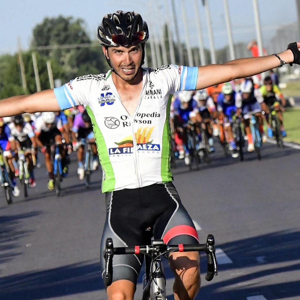 Barrientos ganó la quinta etapa de la Doble Bragado