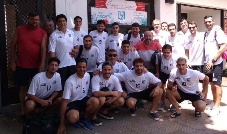 La delegación de Huracán partió hacia San Cayetano