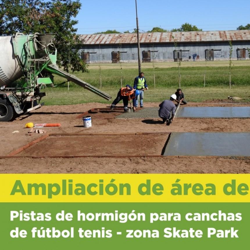 Municipalidad construye Pistas de hormigón para canchas de fútbol tenis