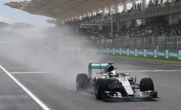 Hamilton se hace con la pole en el Gran Premio de Malasia