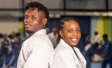 Refugiados del Congo buscan la paz luchando por el sueño Olímpico