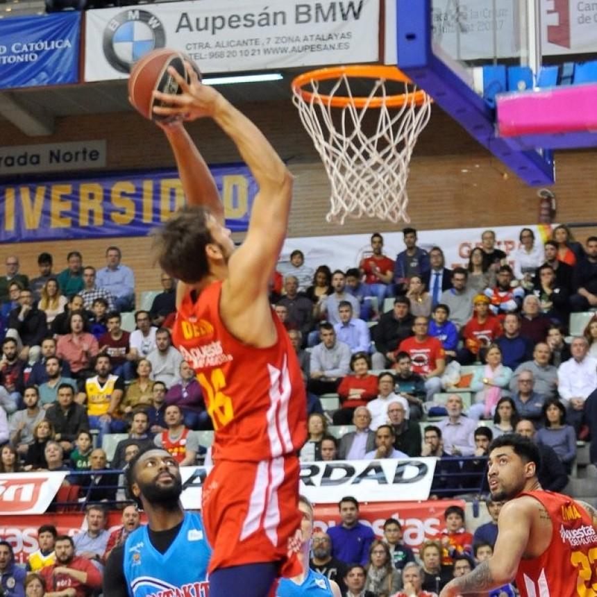 Con 16 puntos de Marcos Delía, el Murcia ganó por la Liga Española