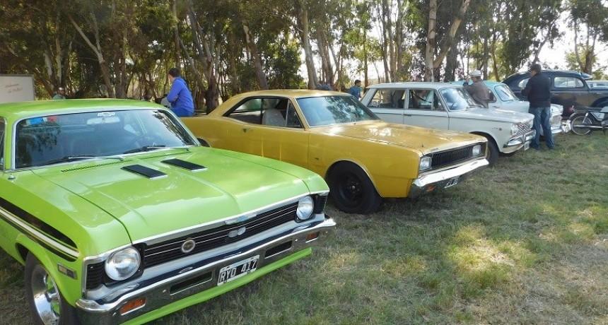 Exitoso Encuentro de Autos Clásicos y Antiguos en San Benito