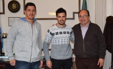 Salomón y Méndez recibieron al campeón 2015 Darío Martínez
