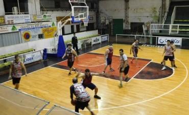 Maxi Saladillo le ganó a Social de Chacabuco 66 a 56