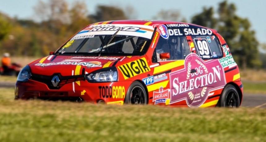 Lucas Barbalarga va por la tercera del Turismo Pista Clase 3