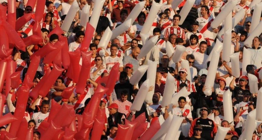 River busca otro título internacional ante Athletico Paranaense