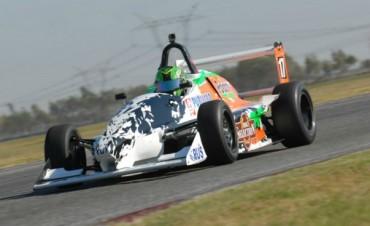 Juan Scoltore fue séptimo en la Formula Renault Metropolitana