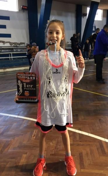 Belén Rojas campeona provincial de clubes sub13 con Comercio de Alvear