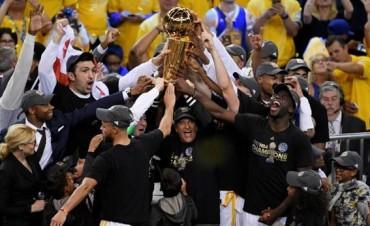 Los Warriors vencieron a los Cavaliers y son campeones de la NBA