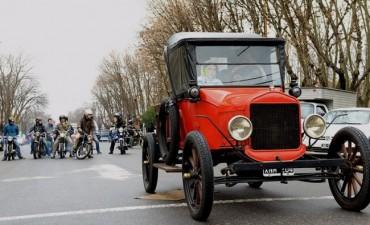 Se realizó este domingo el Primer Raid de Autos Antiguos en Saladillo