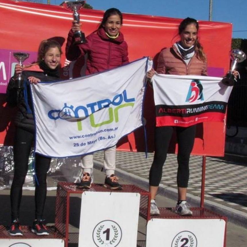 """Francisca Almirón en lo más alto del podio en los """"15K de Bragado"""""""
