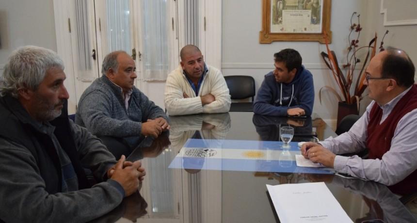 Autoridades del Club de Pesca se reunieron con el Intendente de Saladillo