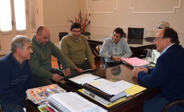 Salomón se reunió con dirigentes del Club Alvarez de Toledo