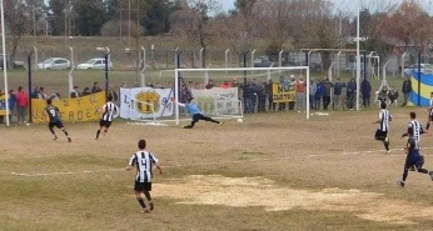 Apeadero y Huracan igualaron en el Daniel Carbonari