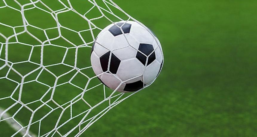 La Liga de Fútbol local felicita a los campeones
