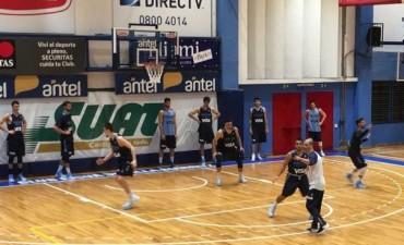 La Preselección con Marcos Delía llegó a Montevideo y está lista para los amistosos