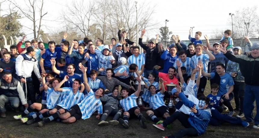 76 años no es nada… Defensores de Del Carril campeón del Torneo Apertura 2018