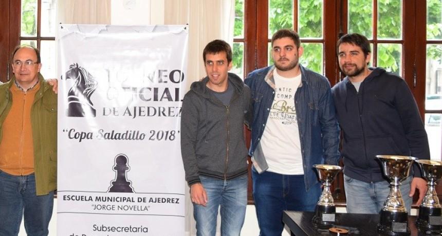Salomón estuvo en la apertura oficial del Torneo de Ajedrez de Saladillo