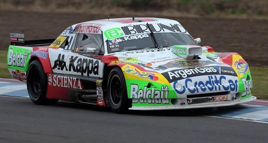 Juan Martín Bruno no pudo completar la final del TC en Olavarría