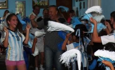 """Fue inaugurada la Biblioteca futbolera """"Julio Olarticoechea"""" de la Escuela N°2"""