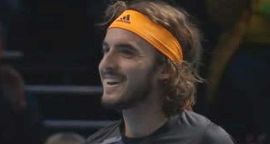 Tsitsipas venció a Federer en Londres