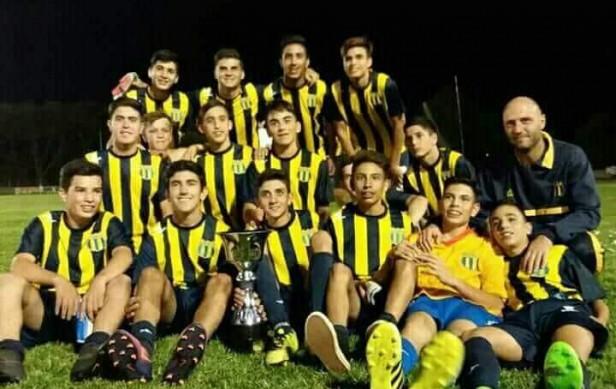 Unión Apeadero campeón de la categoría sub15